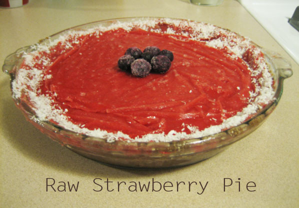 All RAW strawberry pie-made out of fruits and nuts!