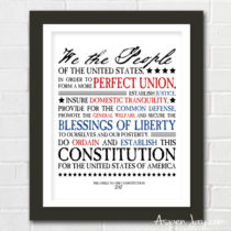 FREE 4th of July printable. Preamble to the Constitution all made up pretty! A great way to add meaning to your 4th of July decorations. You need to PRINT this!!!