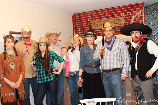 How to throw a western party- such simple yet clever ideas! Love it!
