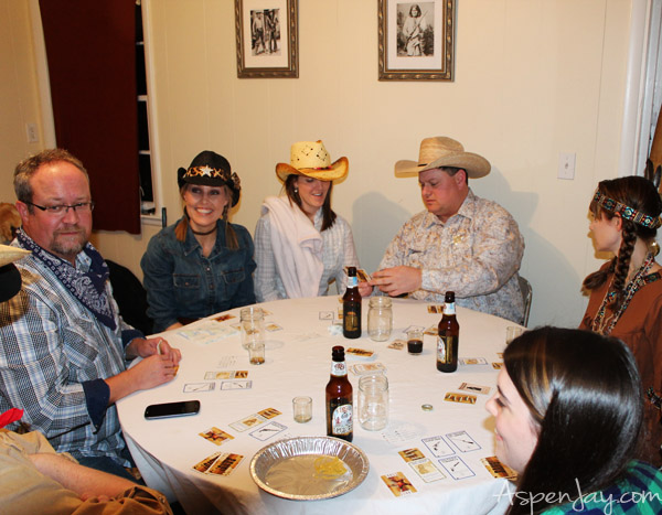 How to throw an old country western party- such simple yet clever ideas! Love it!
