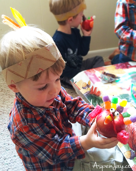 Apple Turkey Craft! What a great idea for a Thanksgiving craft! I am going to have the kids makes these this year! Pinned!