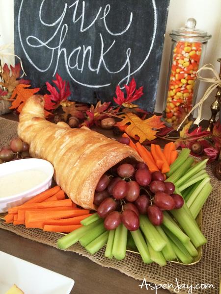 Fun Thanksgiving Food Ideas for preschool party! Such a cute idea for a veggie tray! PINNED!