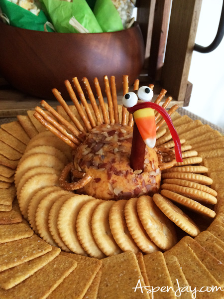 un Thanksgiving Food Ideas for preschool party! Throwing a little thanksgiving themed party for the kids would be so cute! Lots of great ideas, complete with all the recipes! PINNED!!!