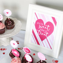 FREE printable You're Sweet take a Treat sign. So lovely! Perfect addition to my Valentines party!!! PINNING!!!