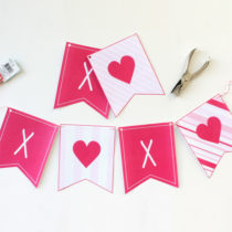 Super sweet FREE printable XOXO Banner.❤️ She has several coordinating Valentine party printables that she is also giving away for FREE! You have to PIN this!!!